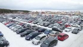 Почему трехлетние автомобили в России перестали покупать?