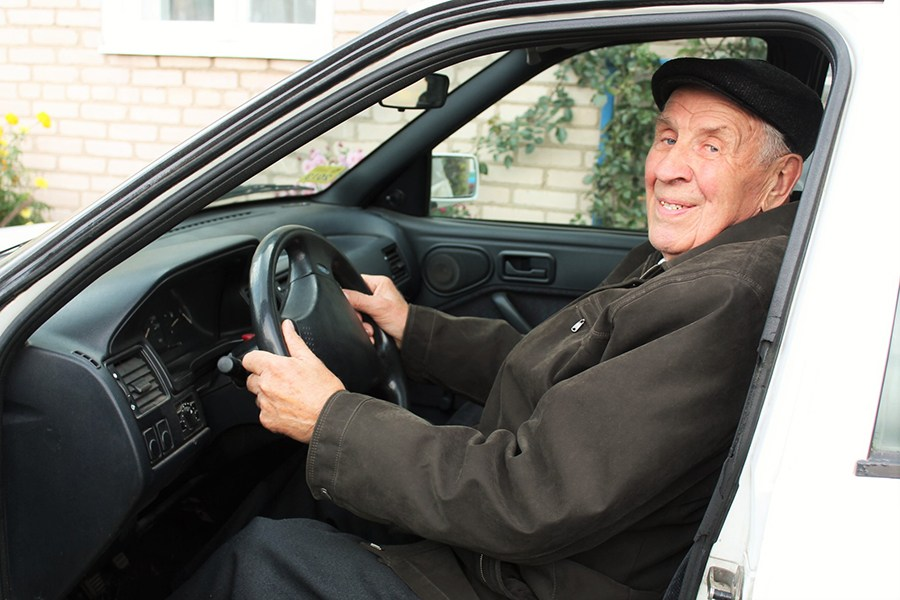 Пенсионер за рулём